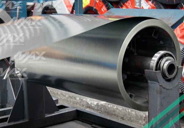Lámina Ternium con galvanizado de zinc en rollo.